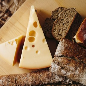 Can Chromatography Predict the Quality of Cheese During Ripening?